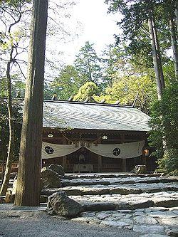 250px-Tsubaki-shrine.jpg